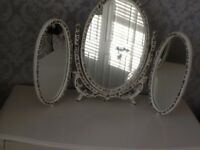 Vintage triple vanity mirror in white and gold.excellent condition.