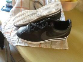 Nike Cortez trainers size 6