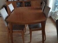 Lovely extending table & 4 chairs