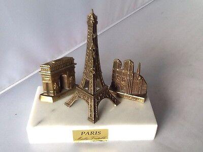 PARIS FRANCE SOUVENIR Paperweight EIFFEL TOWER, ARC DE TRIOMPHE,NOTRE DAME
