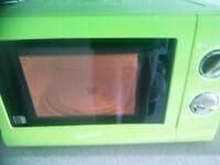 Green Microwave 700 Watts