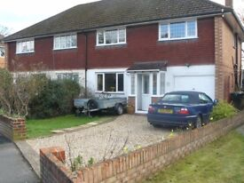 4 bedroom semi to rent in Bedhampton. Extensive garden and off road parking.
