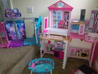 BARBIE HOUSE, DANCE STAGE with furniture,pool,cars and car wash,3 horses and dog,16 dolls and babies
