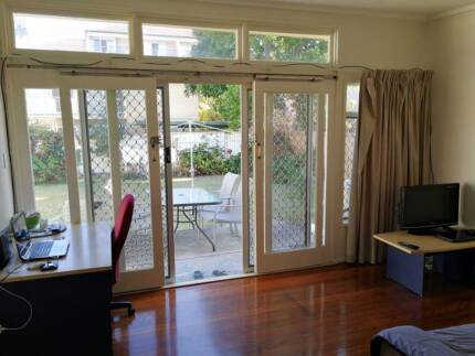Granny Flat for Rent in Surfers!!!