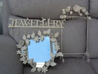 Shabby Chic small heart-shaped mirror and jewellery hooks and stand