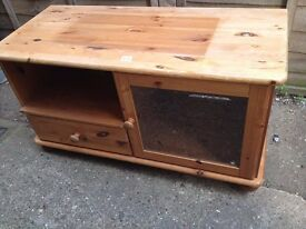 pine tv unit good condition only £8.00