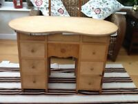 KIDNEY SHAPED DRESSING TABLE WITH TRIPLE MIRROR(BEVELLED EDGES)