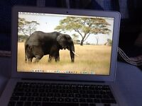 """MacBook Air 11"""" Excellent Apple For Travelling Or University Students 128SSD"""