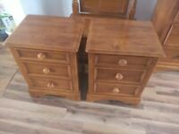 CAN DELIVER - SOLID OAK PAIR OF WILLIS GAMBIER BEDSIDE CABINETS IN VERY GOOD CONDITION