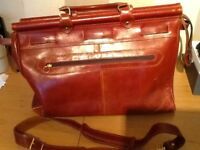 Gents Holdall Vintage (appears to be leather but not marked)