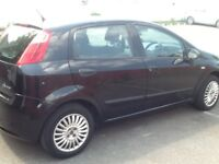 Fiat Punto 1.2 Active looks great in black