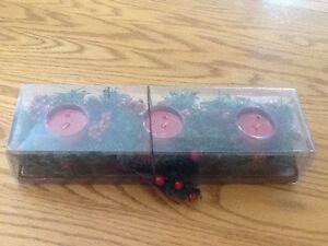 Christmas-Holiday-Set-of-3-Glass-Candle-Holders-with-3-Red-Candles-New-in-Box