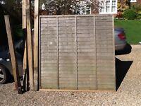 "5 6ft x 6ft Fence Panels & 4 4"" Posts"
