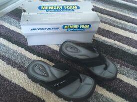 Children's Skechers flip flops 10.5 NEW
