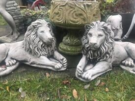 Pair of lion statues - new