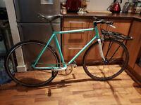 Lovely vintage single speed bike including front rack!
