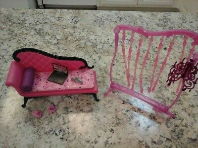 Barbies living room furniture vintage. Great condition.