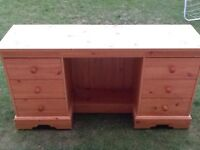 6 draw bedroom dresser great condition