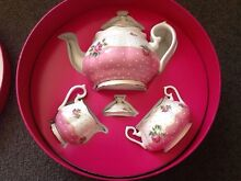 Royal Albert 'Cheeky Pink' Set Isaacs Woden Valley Preview