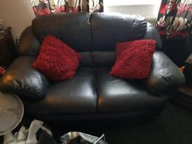 2 black leather settees brilliant condition really well looked after pick up only £50
