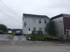 84-86 Kennedy Street - 1 Bedroom Apartment * New Price*