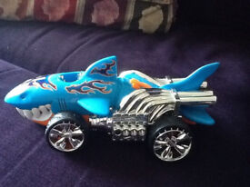 hot wheels shark, moves across floor noises and mouth opens