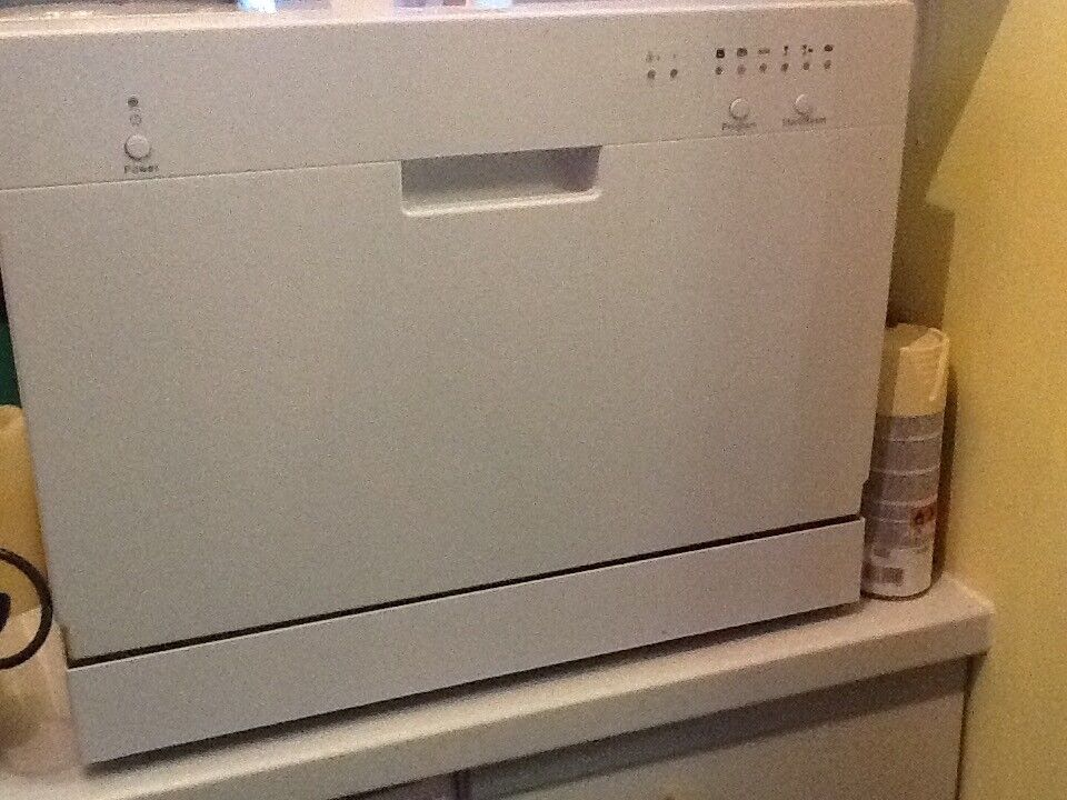Currys essential tabletop dishwasher never used