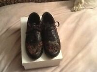 Ladies black leather size 5 shoes
