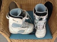 White snowboard boots, size 37.5