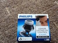 2 New Philips Brush Head Longer Lasting Oil Control attachment RQ585 for gentlemen.