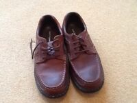 Men's Hush Puppy shoes size 10