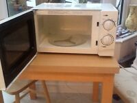 Microwave Oven 700 watt for sale