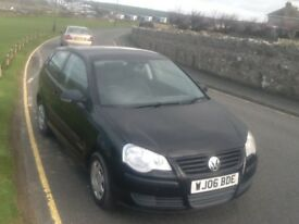 Volkswagen polo 1.2 ltr.. 2006 Plate..1 years MOT..black..new tyres..very economical..