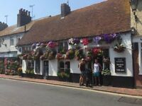 EXPERIENCED BAR STAFF REQUIRED FOR POPULAR VILLAGE PUB