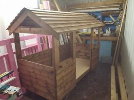 Childrens House Bed (Dark Oak With Natural Roof)