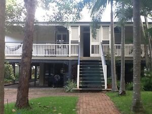Holiday granny flat with pool; walk distance to CBD/Unis Highgate Hill Brisbane South West Preview