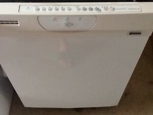 White Kenmore Dishwasher with Stainless steel tub