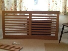 "As New John Lewis Marlowe Oak 4'6"" Headboard with struts and fittings"