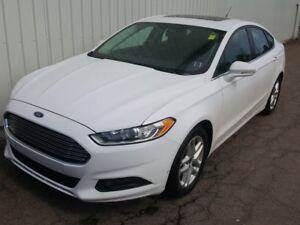 2014 Ford Fusion SE AWESOME SEDAN WITH GREAT FUEL ECONOMY, ST...