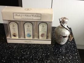 Ashleigh & Burwood Lamp Fragrance Set and Lamp