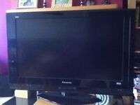 Panasonic Viera 32 inch 1080p LCD TV with Freeview Built in, 3 x HDMI, 2 SCART ports, SD Card port.
