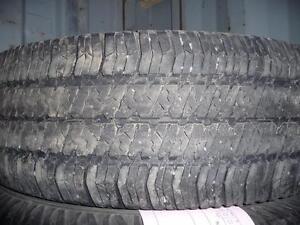 4 pneus d'été 255/75/17 Goodyear Wrangler SRA, 35% d'usure, mesure 9 et 8/32.