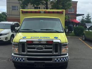 Ambulance 2010 Ford