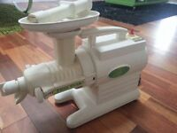 GREENSTAR G2OOO TWIN GEAR MASTICATING JUICER