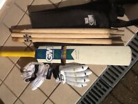 GM Cricket bat,gloves and stumps (boys)