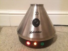 Mint condition Volcano vaporiser classic w/ protective carry case and 4 easy valve bags