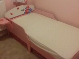 Lovely butterfly toddler bed