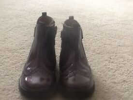 Start-rite boots girls boots. Colour aubergine. Size 7F.