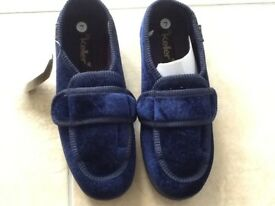 New Ladies slippers size7
