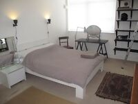 NO DEPOSIT Large room with own ensuite in modern converted nr Hoxton station. All bills included